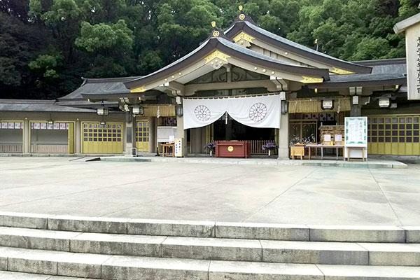 福岡縣護国神社の楼門