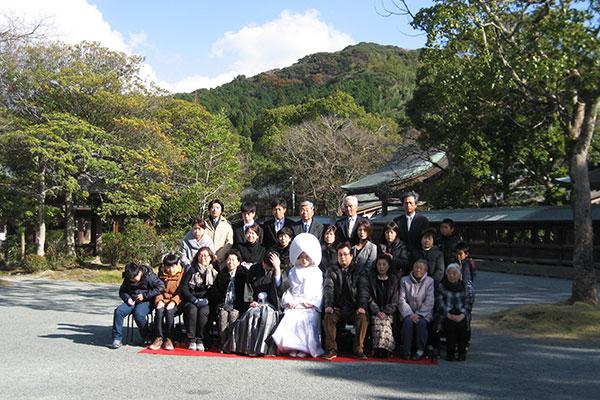 宗像大社での結婚式の記念撮影