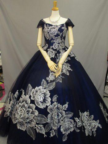 濃い紺色のカクテルドレス(福岡博多の結婚式衣装レンタル)