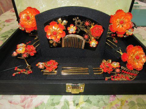 花柄の彫り物飾り