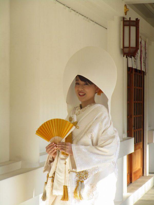 福岡護国神社での白無垢綿帽子