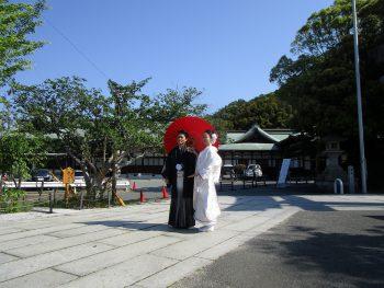 宮地嶽神社で赤番傘 写真前撮り