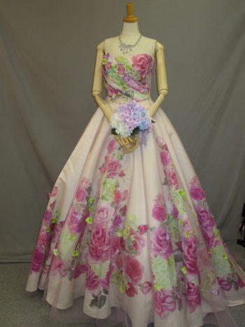 華やかなカクテルドレス2