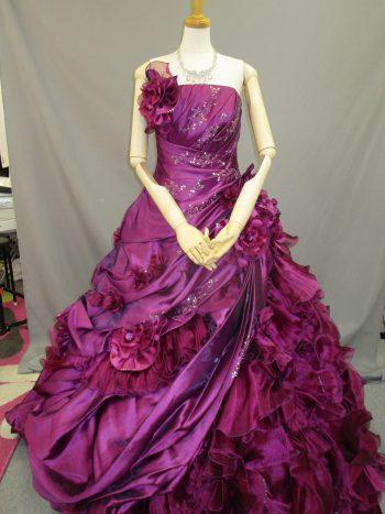 紫のカクテルドレス(福岡博多の結婚式衣装レンタル)