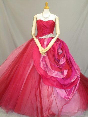 ピンクのカクテルドレス(福岡博多の結婚式衣装レンタル)