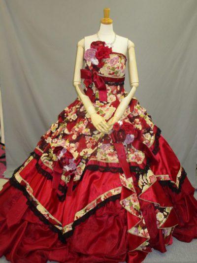 色打掛の素材を利用した和柄ドレス2