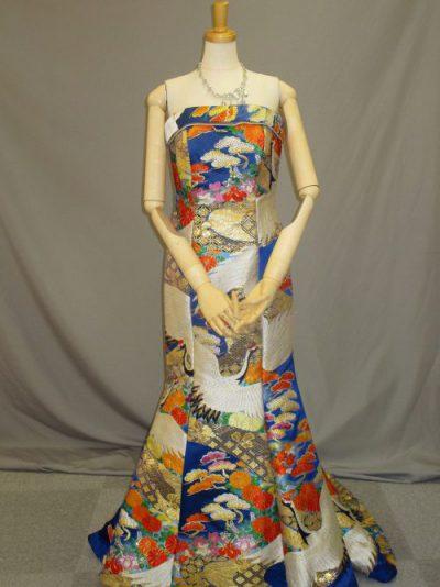 色打掛の素材を利用した和柄ドレス3