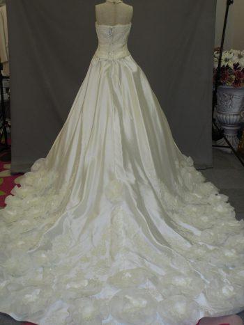 ウェデイングドレス(白、オフホワイト)②